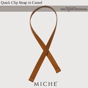 Miche Carmel quick clip no hardware